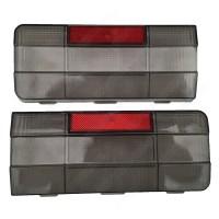 Рассеиватели задних фонарей ВАЗ 2106 черно-красные