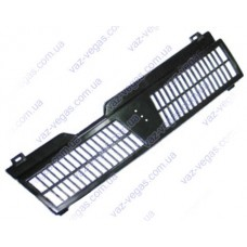 Черная решетка радиатора ВАЗ 21083 зубатка